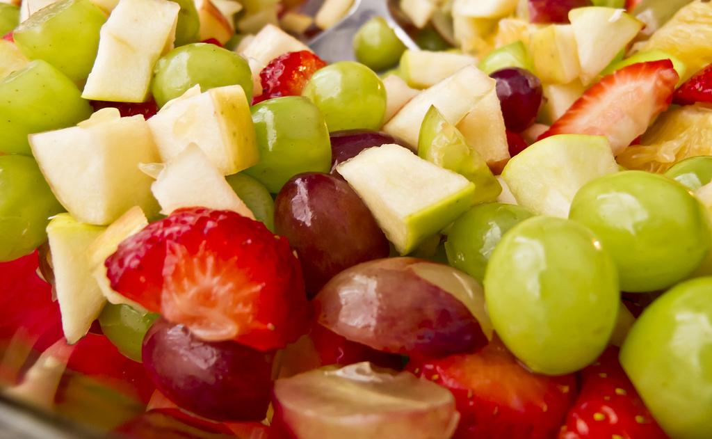 Clean Eating Fruit Salad - truthandsong.com